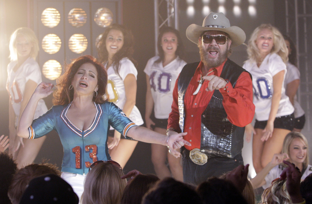 Hank Williams Jr. and Gloria Estefan tape the opening for the new Monday Night Football opening in Nashville, Tenn., Monday, June 22, 2009. (AP Photo/Mark Humphrey)